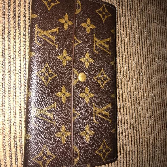 Louis Vuitton Handbags - Authentic LV Sarah Wallet
